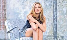 Jennifer Aniston 'upset' after Justin cuddled Naomi Watts - Sakshi