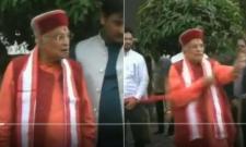 No scissors for inauguration, furious Murli Manohar Joshi tears off ribbon - Sakshi