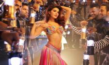 Jacqueline Fernandez steps Ek Do Teen remix song - Sakshi
