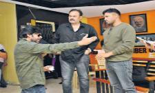 Ban Yellow media says Pawan Kalyan - Sakshi