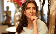 Heroien Manisha Koirala Acts In Indira Gandhi Biopic - Sakshi