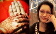 Renu Desai Engagement Pic Viral On Social Media - Sakshi