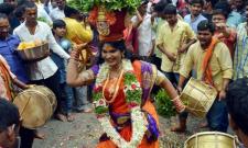 Religious fervour, gaiety mark Bonalu festivities - Sakshi