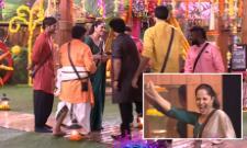 Anasuya Bharadwaj Enter in Bigg Boss 2 Telugu House - Sakshi