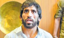 Wrestler Bajrang Punia threatens to move court after Khel Ratna snub - Sakshi