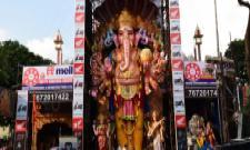 Khairatabad Ganesh Shoba Yatra Begins - Sakshi