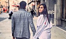 Farhan Akhtar just make his relationship official with Shibani Dandekar? - Sakshi