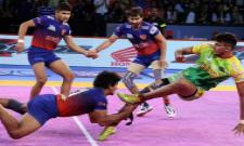 Patna Pirates Beat Dabang Delhi - Sakshi