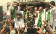 YSRCP Leaders Arrested For Protest Against AP Govt In Kurnool - Sakshi