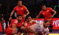 Telugu Titans won the second consecutive defeat - Sakshi