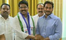 Prakasam District Leader Madishetty Venugopal Joins YSRCP - Sakshi