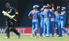 Kuldeep bags 4 Wickets New Zealand 157 all out Against Team India - Sakshi