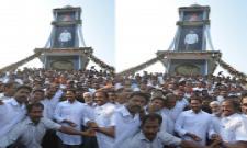 YS Jagan inaugurates pylon at Itchapuram - Sakshi
