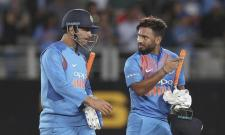 India beats New Zealand by 7 Wickets to Level Series - Sakshi