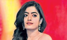 Rashmika Mandanna Reacts to the Kissing Scene With Vijay Deverakonda - Sakshi