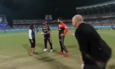 RCB take on struggling KKR in do or die match - Sakshi