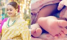 Surveen Chawla Shares Adorable Pic Of Her Daughter - Sakshi