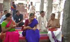 Governor offers prayers to Goddess Padmavathi
