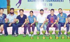 Himanshu And Namita Got Badminton Titles - Sakshi