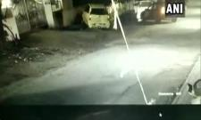 SUV Hits Parked Car 5 Times Before Driving Away In Pune - Sakshi