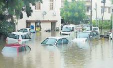 Vehicle protection during floods .. - Sakshi