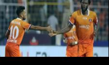 FC Goa Go Top of The Table With 2-1 Win over Atletico de Kolkata - Sakshi