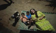 Renu Desai  Shared Chilling With Village Boys Photos In Instagram - Sakshi