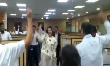 Welspun India CEO Dipali Goenka dancing with her employees