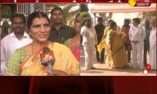 Telugu Academy Chairman Lakshmi Parvathi Visit Vishaka Sri Sarada Peetham - Sakshi