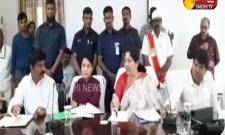 TRS MLA Shankar Nayak Serious On Minister Satyavathi Rathod