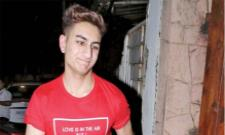 Ibrahim Ali Khan Shares Funny Photo  From Quarantine On His Instagram - Sakshi