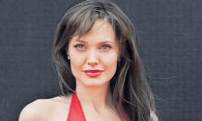 Angelina Jolie makes major donation to child hunger charity amid pandemic - Sakshi