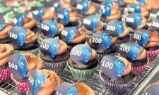 Avatar Sequels Celebrate 100 Days Of Filming With Original Movie - Sakshi