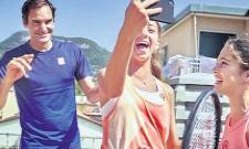 Roger Federer Gives Surprise To His Fans At Italy - Sakshi