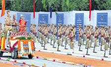 Mekathoti Sucharita Comments In SIs passing out parade - Sakshi