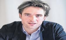 Robert Pattinson tests positive for Covid-19 - Sakshi