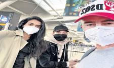 Indian badminton team leaves for Thailand - Sakshi