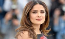 Salma Hayek Recalls She Cried While Filming A Scene With Antonio Banderas In Desperado - Sakshi