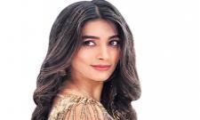 Prabhas, Pooja Hegde resume shooting for Radhe Shyam in Europe - Sakshi