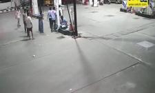 Guntur: Crooks Hulchal In Petrolbunk