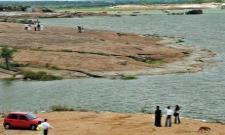 Two Doctors Ends Life In Shamirpet Pond - Sakshi