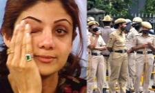 Shilpa Shetty Cried, Fought With Raj Kundra In Front Of police - Sakshi