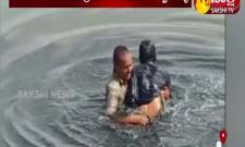 Home guard eswaraiah rescues suicide attempt person