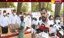 Minister Anil Kumar Yadav Distribute  Food Items To Municipal Staff