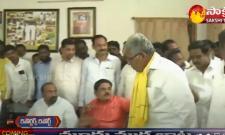 Internal Dispute  Of TDP Leaders In Anantapur District