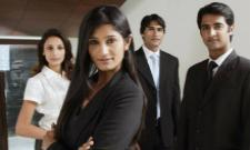 Indian IT companies looking to hire more than 1 lakh college graduates - Sakshi