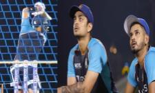 T20 World Cup 2021: Ishan Kishan Shreyas Iyer Watch Kohli Batting 45 Min - Sakshi