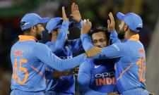India clinch 8 run win in a thriller at Nagpur  - Sakshi