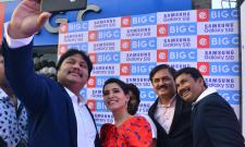 Samantha Akkineni Samsung S10e Mobile Launch Photo Gallery - Sakshi