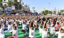 5 INTERNATIONAL DAY OF YOGA CELEBRATED AT CHARMINAR Photo Gallery - Sakshi